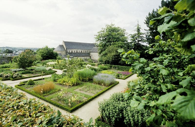 Daoulas-Jardins-BernardGaleron.jpg
